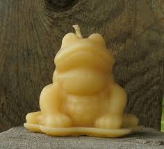"Click to enlarge 100% Pure Beeswax ""Frog"" Candle"