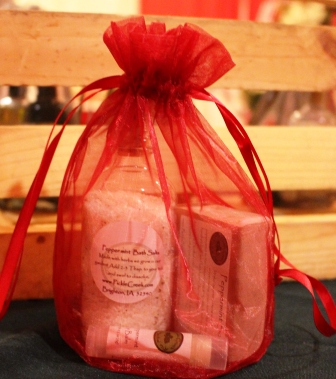 Click to enlarge Candy Cane (Peppermint) Gift Bag