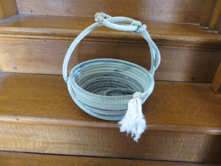 Click to enlarge Decorative Lariat Rope Basket