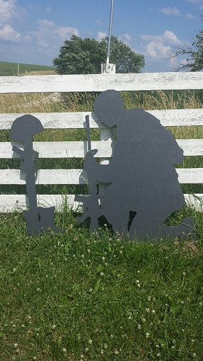 Click to enlarge Fallen Soldier yard shadow