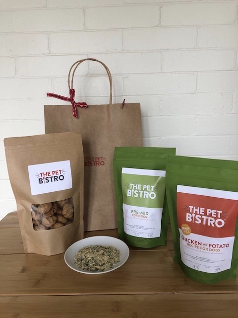 Click to enlarge The Pet Bistro Holiday Gift Pack for Dogs!