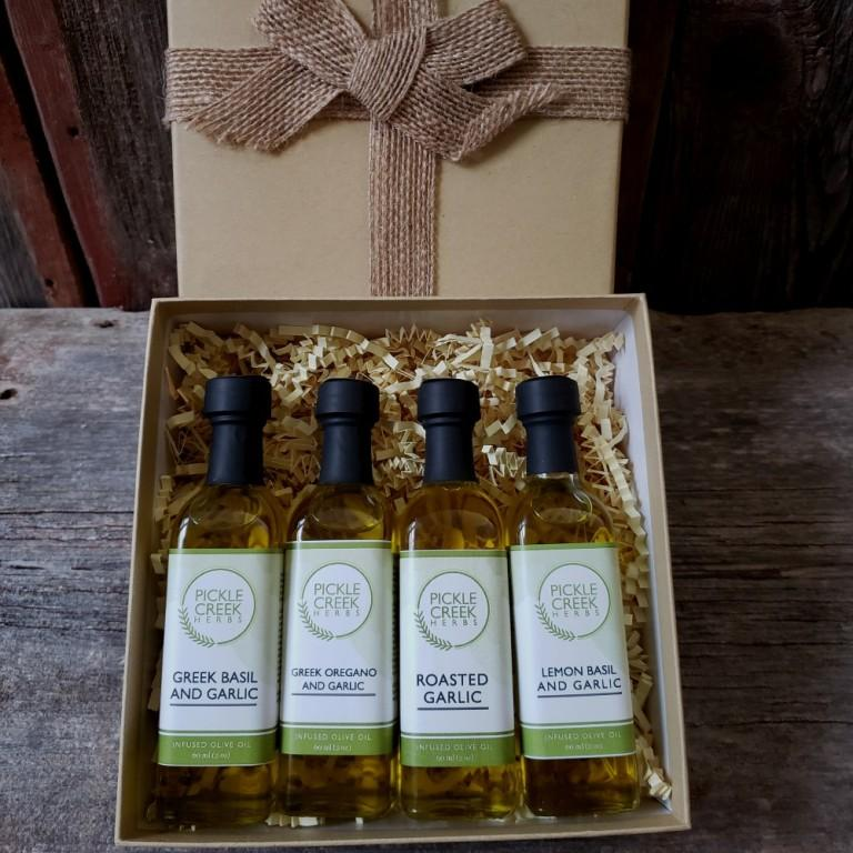 Click to enlarge Garlic Lovers Olive Oil Gift Box